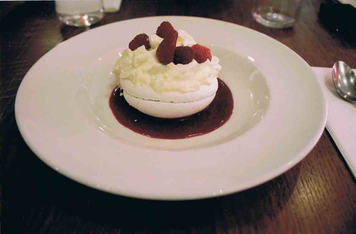 3 Food photography Pavlova Dessert Lyon