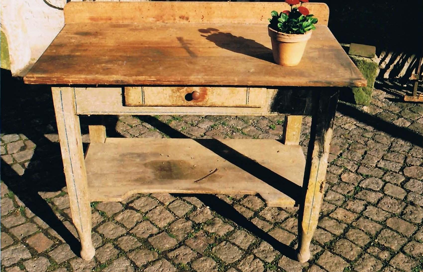 27 alter Tisch