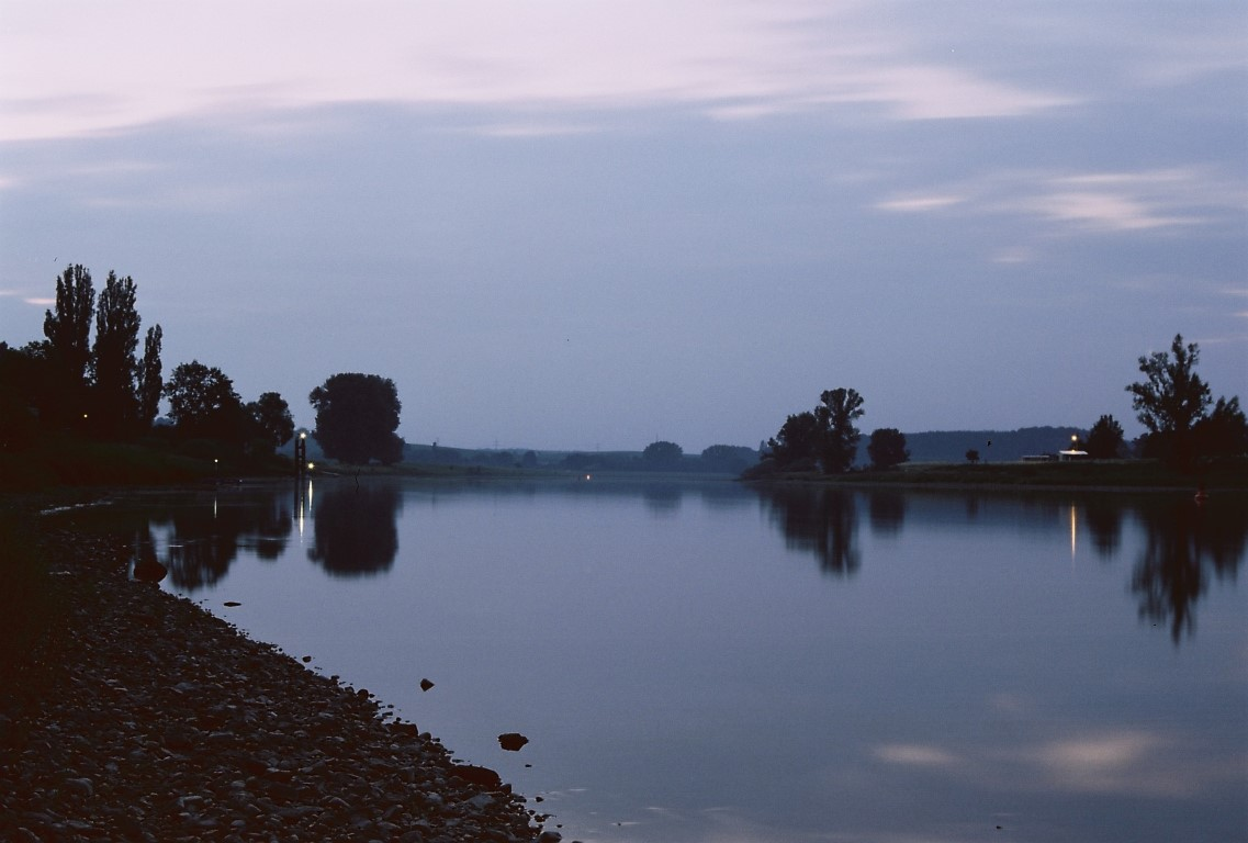 Elbe Fluss Abendstimmung