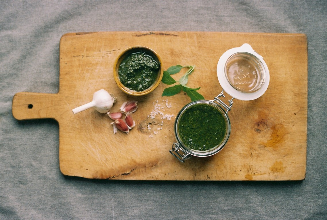 Pesto alla Genovese Basilikumpesto Rezept mit Knoblauch