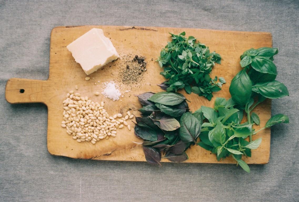 Pesto alla Genovese Basilikumpesto Rezept Zutaten 2